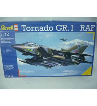 Super scale model kit - Tornado GR1 RAF Revell