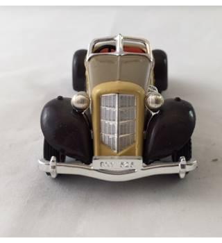 Auburn 851 Supercharged Speedster Matchbox Yesteryear Die-cast Model Matchbox