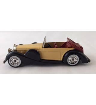 Lagonda Drop Head Coupe 1938 Matchbox Yesteryear Die-cast Model Matchbox