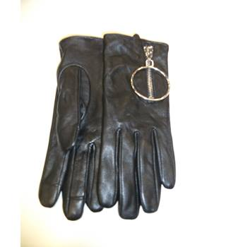 BNWT ASOS Leather Glove with Oversized Ring and Touch Screen Size Medium