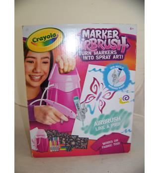 Crayola Marker Airbrush - Pink case