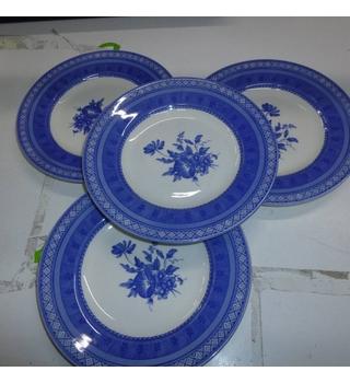 "Four 7"" plates, Queens"