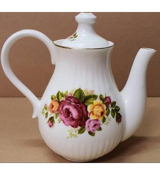 Cottage Rose Fine Bone China Tea Pot